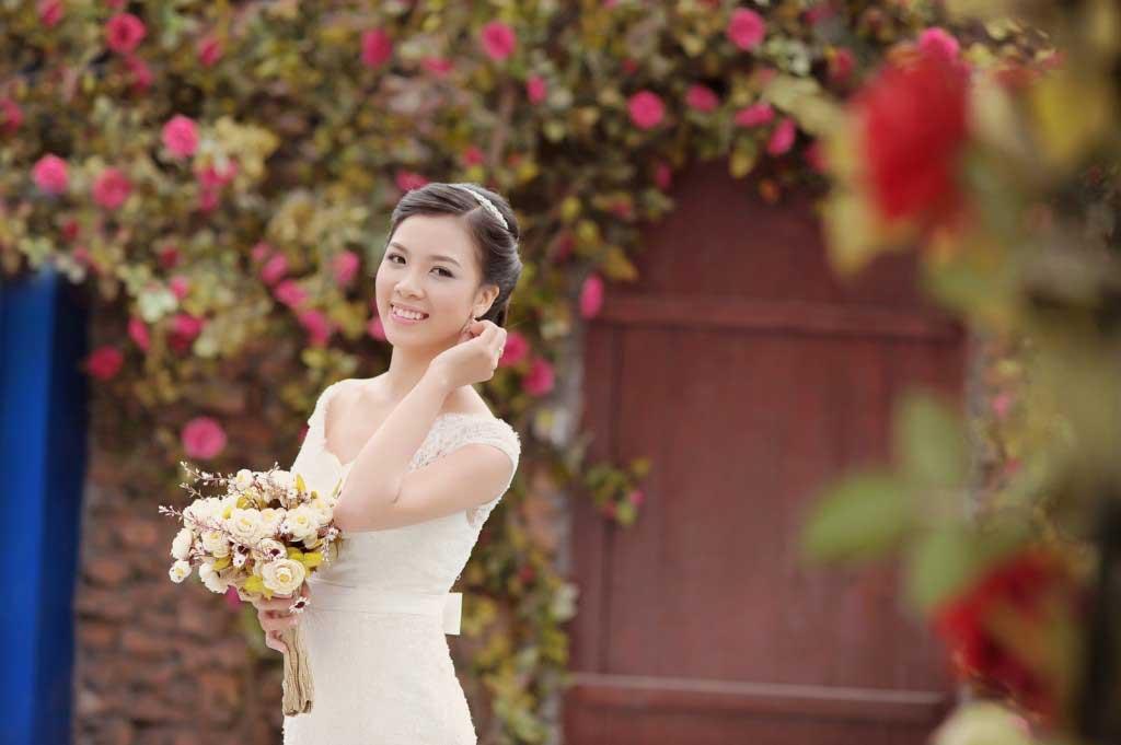 trang điểm cô dâu tự nhiên trẻ trung