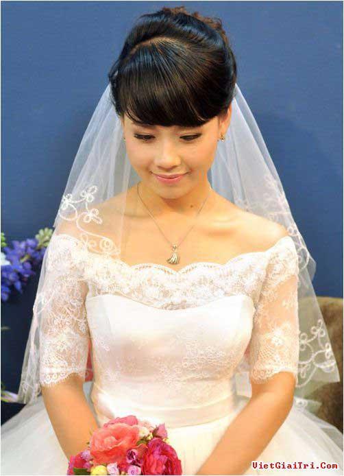 Trang điểm cô dâu đơn giản