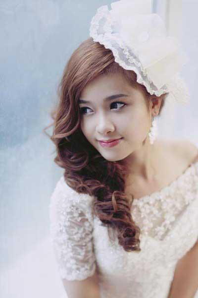 trang điểm cô dâu tự nhiên