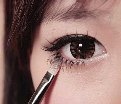Trang điểm mắt tròn