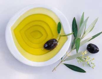 cách làm dài mi bằng dầu oliu