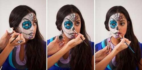 Tiếp tục vẽ đường viền đen cho nửa môi và vẽ những đường khâu giả dọc má bên đến gần mang tai.