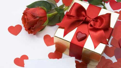 Mua quà sinh nhật cho vợ