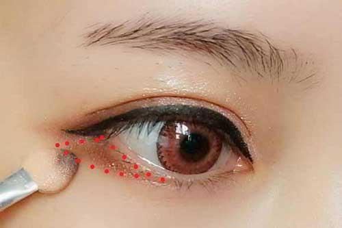 Cách trang điểm màu mắt đẹp