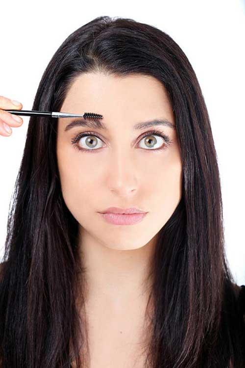 Trang điểm lông mày tự nhiên