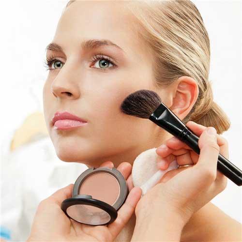 Cách trang điểm an toàn cho da