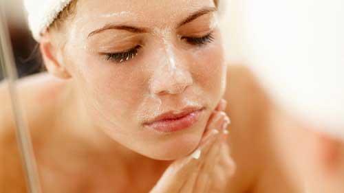 Cách trang điểm bảo vệ da