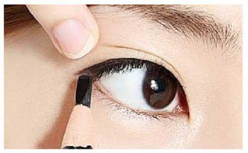 Cách trang điểm mắt khói xám