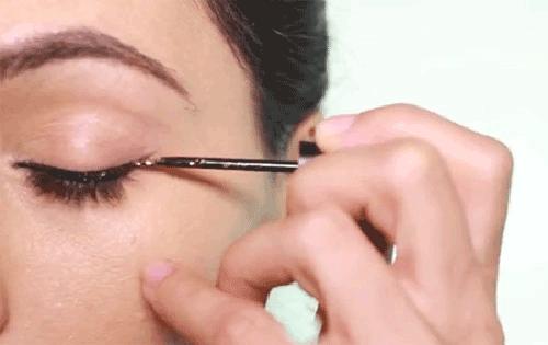 Trang điểm mắt một mí Hàn Quốc