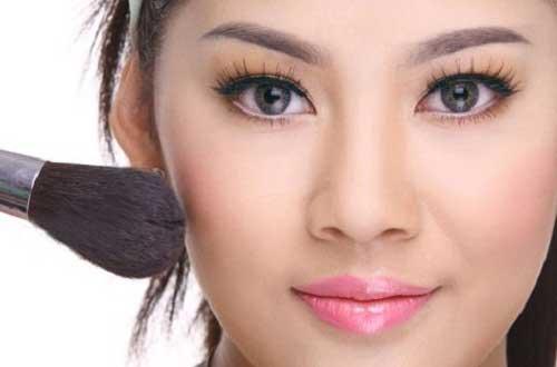 Cách trang điểm để có khuôn mặt đẹp