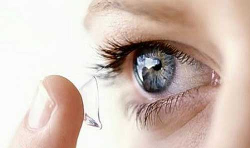 Cách trang điểm khi đeo lens