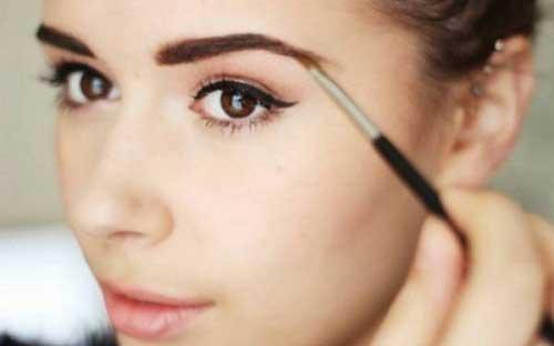 Cách trang điểm lông mày rậm