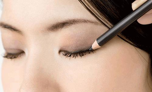 Cách trang điểm mắt dự tiệc