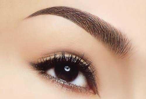Trang điểm mắt khói đơn giản