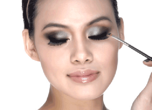 Trang điểm mắt lấp lánh