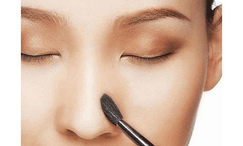 Trang điểm mắt nâu tự nhiên
