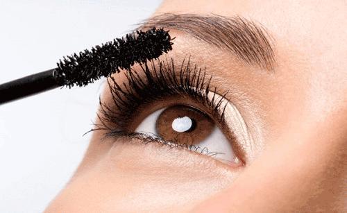 Trang điểm mắt quyến rũ