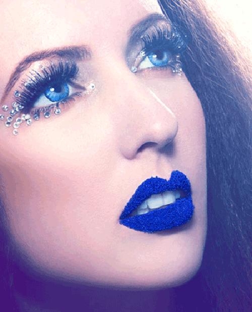 Trang điểm mắt xanh dương