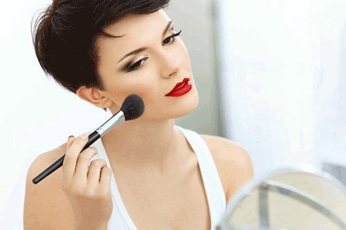 Cách trang điểm mắt cho phụ nữ trung niên