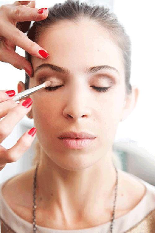 Cách trang điểm mắt hốc
