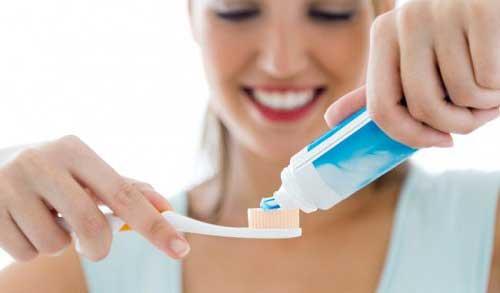 Bọc răng sứ có ăn được không