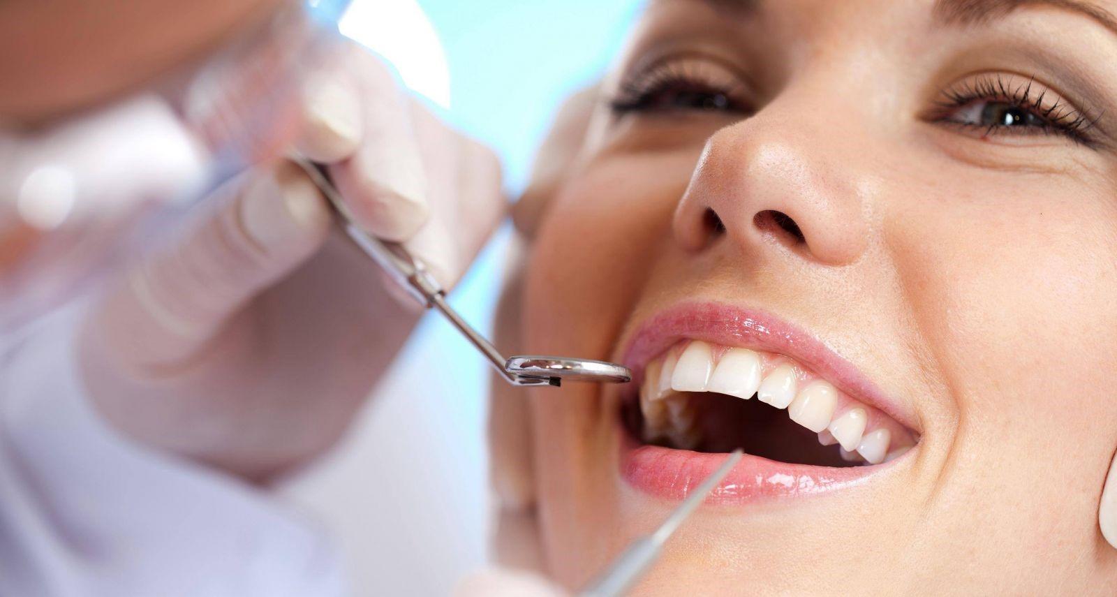 Bọc răng sứ có đau không? Chi phí bọc răng sứ bao nhiêu?