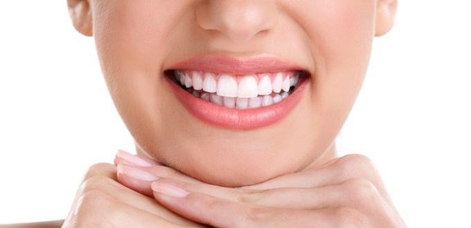 yếu tố nào quyết định độ bền của răng sứ